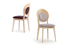 Dve drevené stoličky FILLMORE so zaujímavým okrúhlym operadlo s čalúnením.m