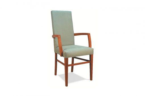 Pohodlná stolička HOME s dlhými drevenými nohami s operadlom a ručnými opierkami.