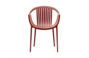 Jedinečná moderná stolička Wilson v červenej farbe.