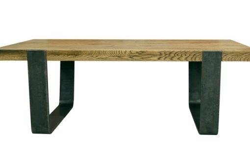 Masívny spoločenský stôl MERAN s oceľovými nohami.