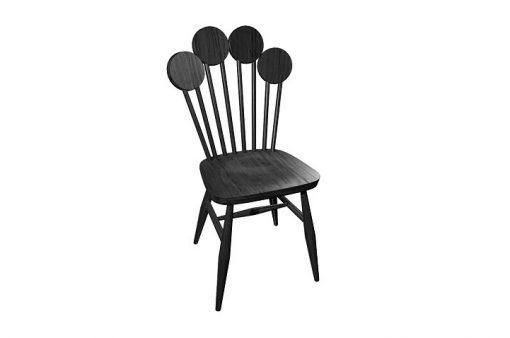 Dizajnová stolička PAF v čiernej farbe.