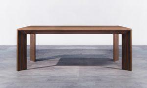 Mohutný drevený jedálenský stôl, značka Brik.
