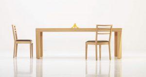 Jedálenský drevený stôl, značka Brik.