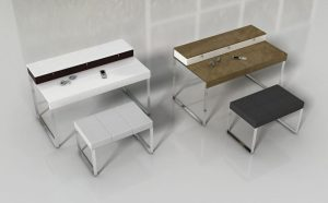 Dva toaletné stolíky značky Brik s kovovými nohami a tromi zásuvkami.