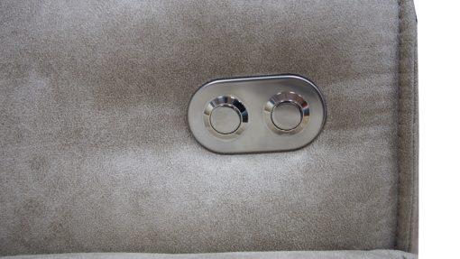Detail na tlačidlá na podrúčke pri modernej sedačke MESA s elektrickým pohonom sedákov!