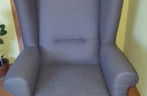 Štýlové a pohodlné kreslo Ušiak Max v šedej deluxe látke vo výpredaji.